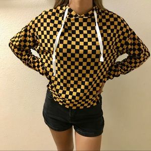 Checkered pull-over